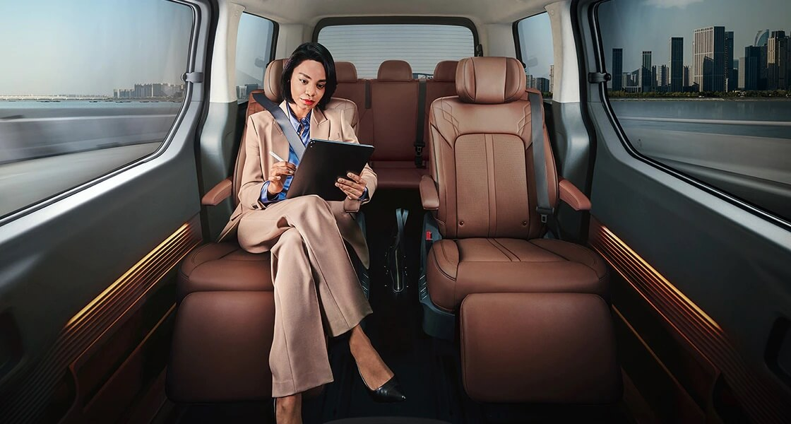 staria us4 luxuriously appointed 7 seater pc
