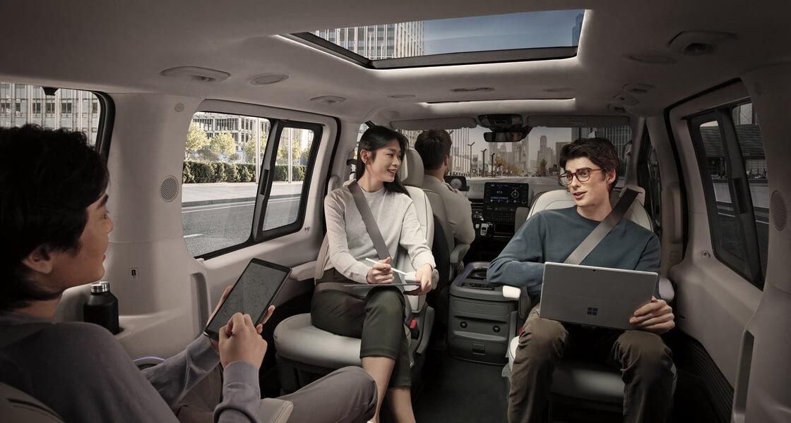 staria us4 premium 9 seater pc