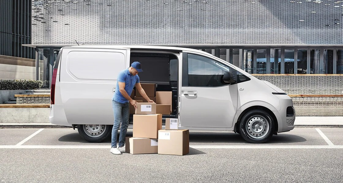 staria us4 van spacious and smart pc